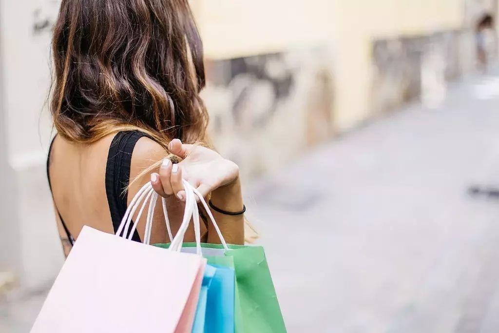 Не покупайте сувениры и еду в центре Москвы, это слишком дорого